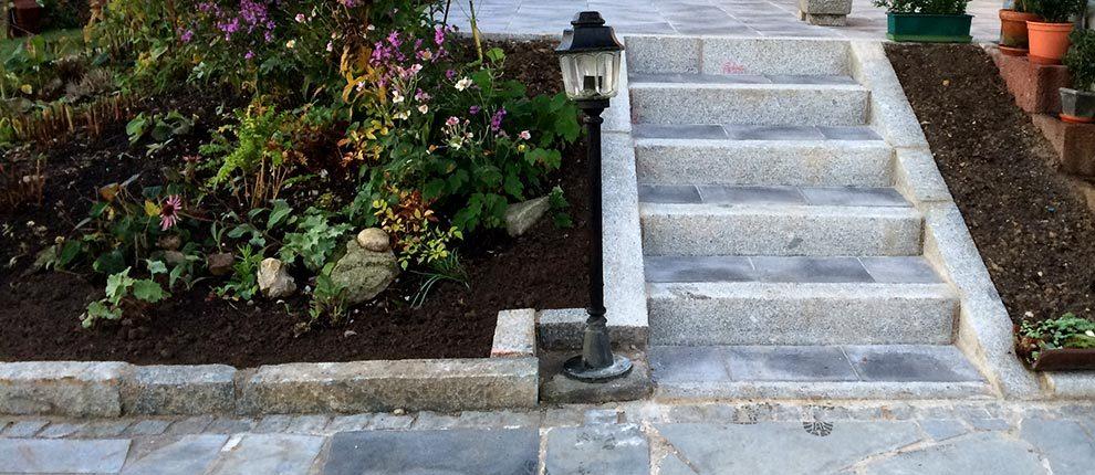 Terrasse mit Treppe